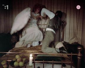 Bara Stepanova - Tisicrocna vcela (1983) actress nude udders