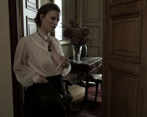 Laureline Romuald - Confidences d'une femme mariee s01e05 (2020) Big-Titted stripped to the waist actress