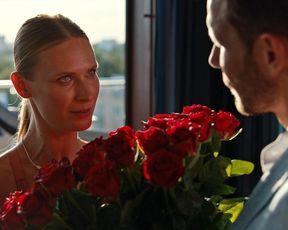 Adrianna Chlebicka, Antonina Jarnuszkiewicz - Squared Enjoy (Milosc do kwadratu) (2021) actress gorgeous movie