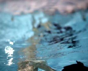 Dara Rolinc - Stale Dokola (2014) actress naked movie