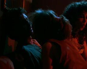 Francesca Neri, Maria Barranco - Las edades de Lulu (1990) celebs bare sequence