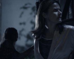 Michaela Petrekova - Hlava Meduzy s01e02 (2021) actress stunning vid