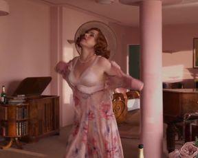 Isla Fisher â Blithe Spirit (2020) celeb steamy gig