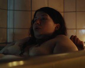 Barbara Colceriu - Liebe, Pflicht und Hoffnung (2020) celeb booby red-hot sequence