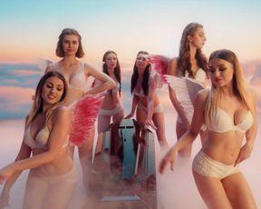 Gabriela Muskala, Karolina Gruszka, Aleksandra Adamska - Krolestwo kobiet s01e01-02 (2020) actress super-steamy movie vignette