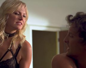 Malin Akerman - Friendsgiving (2020) actress A gorgeous episode