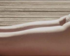 Valerie Stroh - Les limites (2013) celeb naked episode