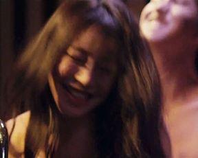 Da-eun Baek, Lee Eun-mi, Park Eun-Youthful - P.S. Ladies (2016) celebrity a bare-chested sequence from the flick