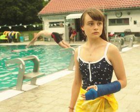 Jella Haase, Lena Urzendowsky, Elina Vildanova, Lena Klenke - Kokon (2020) celebrity A luxurious sequence