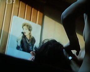 Ivana Chylkova, Lucie Bila, and other - Ta naee pisnicka ceska II (1990) actress naked gig
