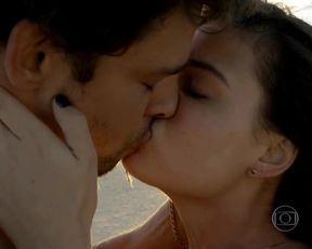 Dira Paes, Isis Valverde - Amores Roubados s01 (2014) actress naked episode
