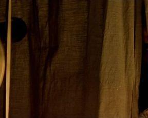 Claire Keim, Ingrid Rouif - Le Roi danse (2000) celebs warm movie sequence