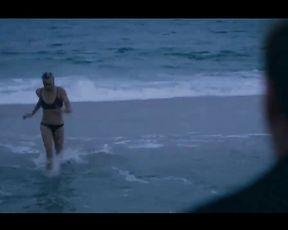 Yvonne Strahovski Bare Episode In Louie Series -  Celebs Nude