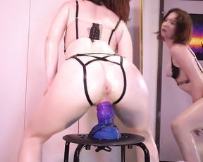 Oiled Up Babe Squatfucks And Pumps Out On Bad Dragon Fake-Man-Meat