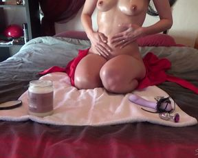 MILF Satine's solo with oil and fucktoys - French messy talk - SatineEtBig