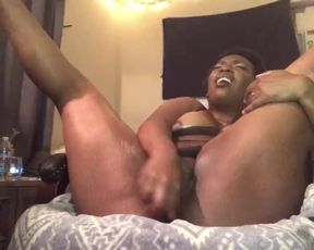 Fey Sinclair strokes while beau plays vid games live with pal
