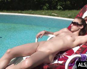 Amirah Adara Lubes Up for Poolside Masturbation Session