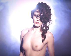 Nude Art Girl - Sexy Saxophone