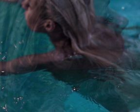 Nude Art Story - Cool Water, Cold Body