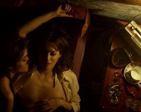 Amira Casar, Maud Wyler naked - Mixte s01e05 (2021) TV episode
