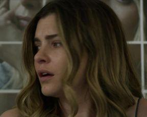 Vittoria Puccini hot - La fuggitiva s01e01e06 (2021) TV show