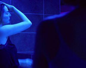 Lihi Kornowski, Ayelet Zurer sexy - Losing Alice s01e08 (2021) TV series