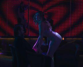 Molly Griggs, Grace Gummer hot bikini - Dr. Death s01e03e05 (2021) TV movie