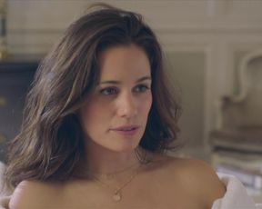 Lucie Lucas, Elsa Houben sex scene - Clem s11e03 (2021) TV show