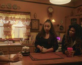 Jaylen Barron, April Absynth, Jasmine Cephas Jone sexy - Blindspotting s01e05 (2021) TV episode