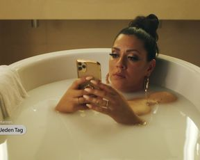 Jasmin Shakeri nude- Deadlines s01e04 (2021) TV 720p
