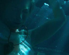 Emily Blunt hot - Jungle Cruise (2021) Underwater scene