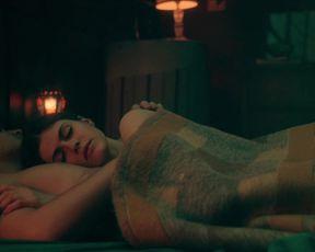 Alexandra Daddario – Die in a Gunfight (2021) Celebrity Sex Scene