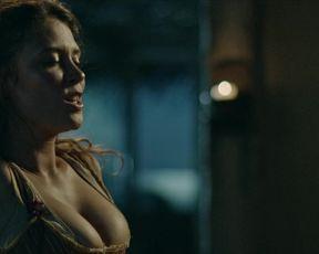 Mia Tomlinson - The Lost Pirate Kingdom s01e03 (2021) celebrity booby video