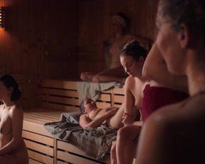 Mathilde Bundschuh naked, Amanda da Gloria nude, Nicole Marischka hot, Barbara Philipp sexy - Hitzig - ein Saunagang (2020) nudity scene in sauna