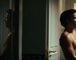 Michelle Barthel sexy - Goldjungs (2021) nude movie scene