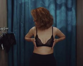 Viktoriya Isakova, Yuliya Peresild nude- Troe (2020)