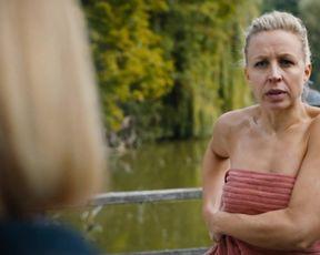 Nina Proll - Vorstadtweiber s01e50 (2020) actress nude scene