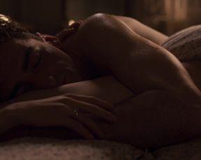 Masza Wagracka - Krol s01e07 (2020) celebrity topless scene from the movie