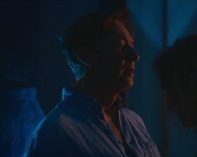 Valery Tscheplanowa nackte - Das Haus (2021) nudity in movie