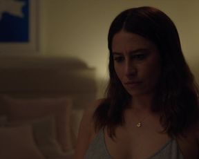Ilana Glazer hot - False Positive (2021)