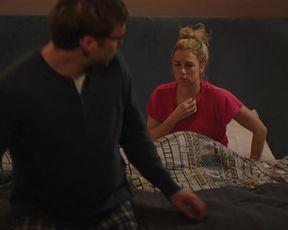 Iliza Shlesinger hot - Good on Paper (2021) hot sexy scene