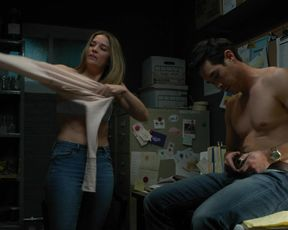 Annie Murphy sexy - Kevin Can Fuck Himself s01e05 (2021) Scene after sex. Dressed.