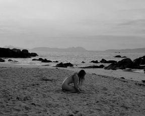 Dorota Ptaszek nude - Cave (2021) art nudity movie scene