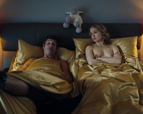 Valery Tscheplanowa - Vorstadtweiber s01e49 (2020) celeb nude scene
