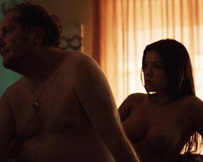 Isabella Licht Delgado, Lina Vanessa Nieto - Dogwashers (2020) actress boobed scene