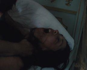 Hot scene Oona Chaplin Nude - Taboo s01e06 (2017)