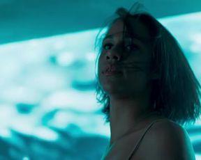 Hot actress Maureen Sebastian, etc Nude - Oasis s01e01 (2017)