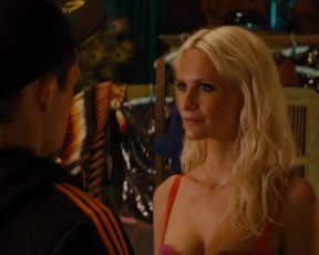 Sexy Poppy Delevinge Sexy - Kingsman The Golden Circle (2017)