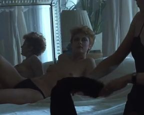 Sexy Susan Sarandon, Catherine Deneuve Nude - The Hunger (1983)