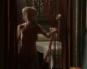Hot scene Emily Diamond Nude - Game Of Thrones s01e03 (2011)